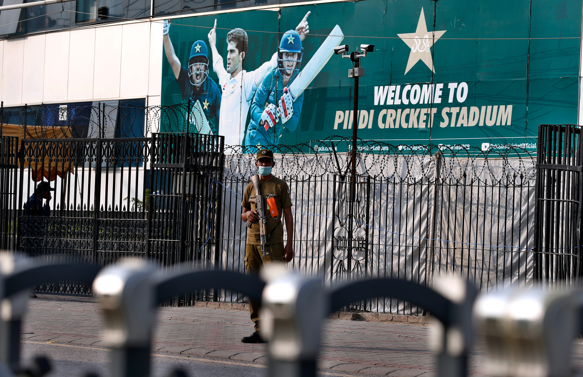 Cricket: Black Caps fly out of Pakistan on charter plane after abandoning  tour - NZ Herald