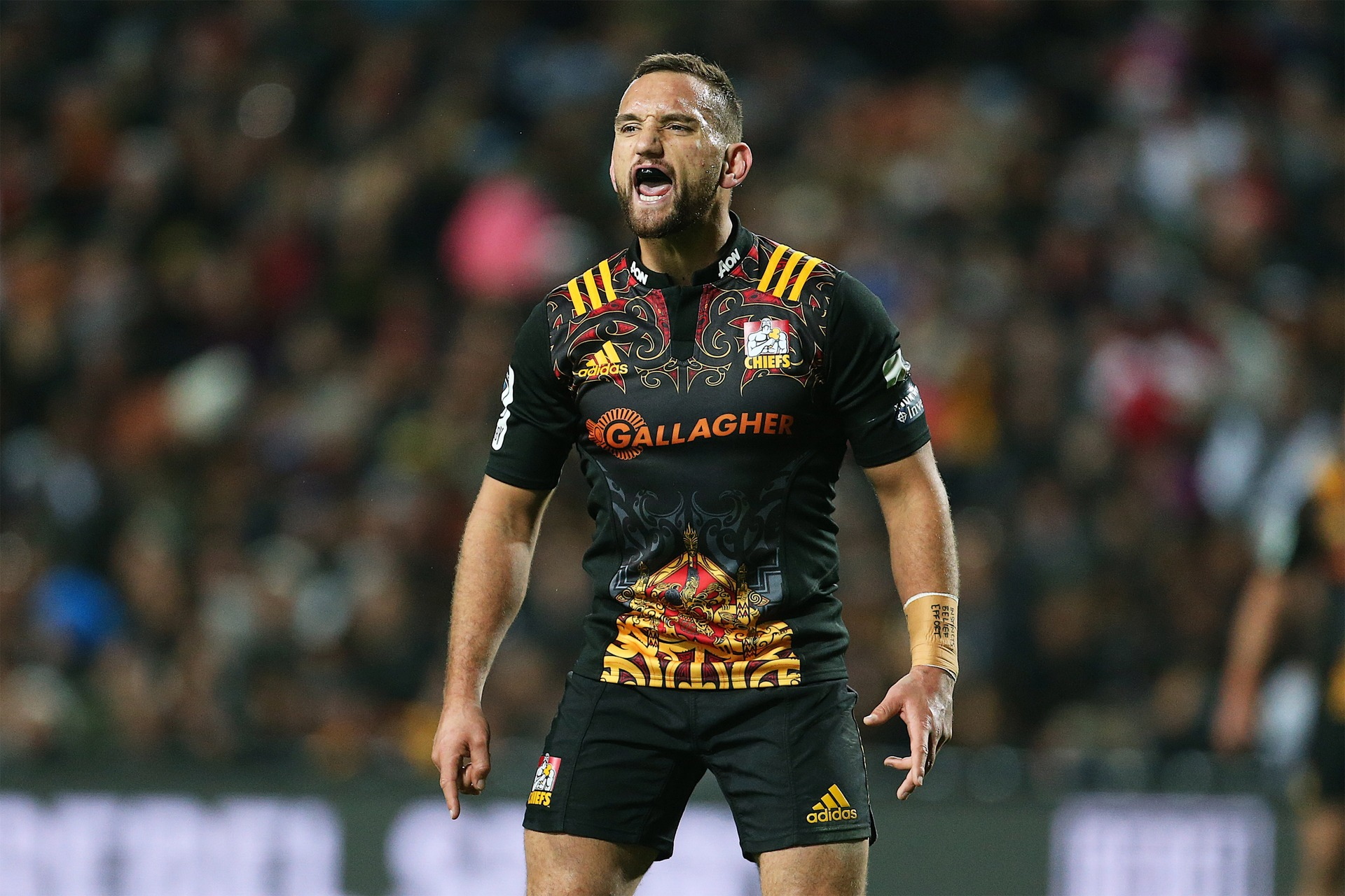 Rugby: Aaron Cruden returns to Chiefs for 2020 Super Rugby season - NZ  Herald