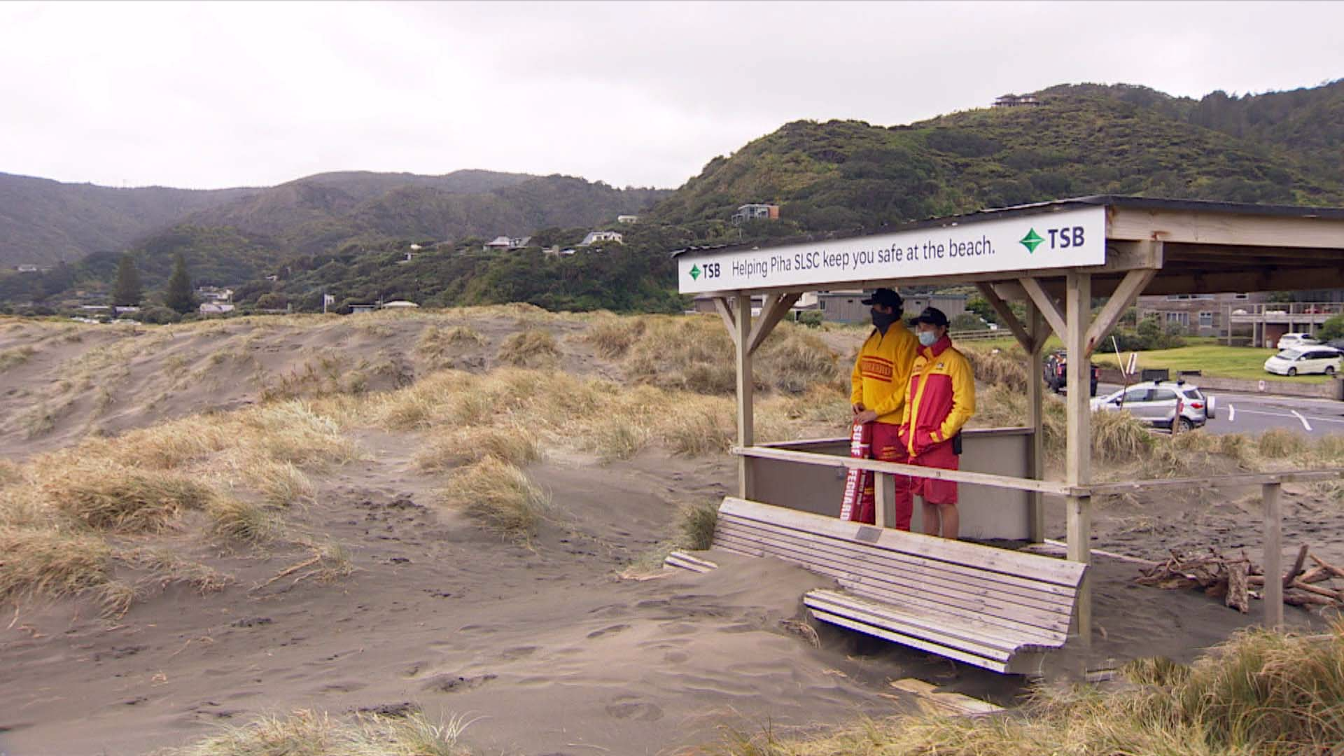 Piha Beach goes without regular lifeguards over Covid fears