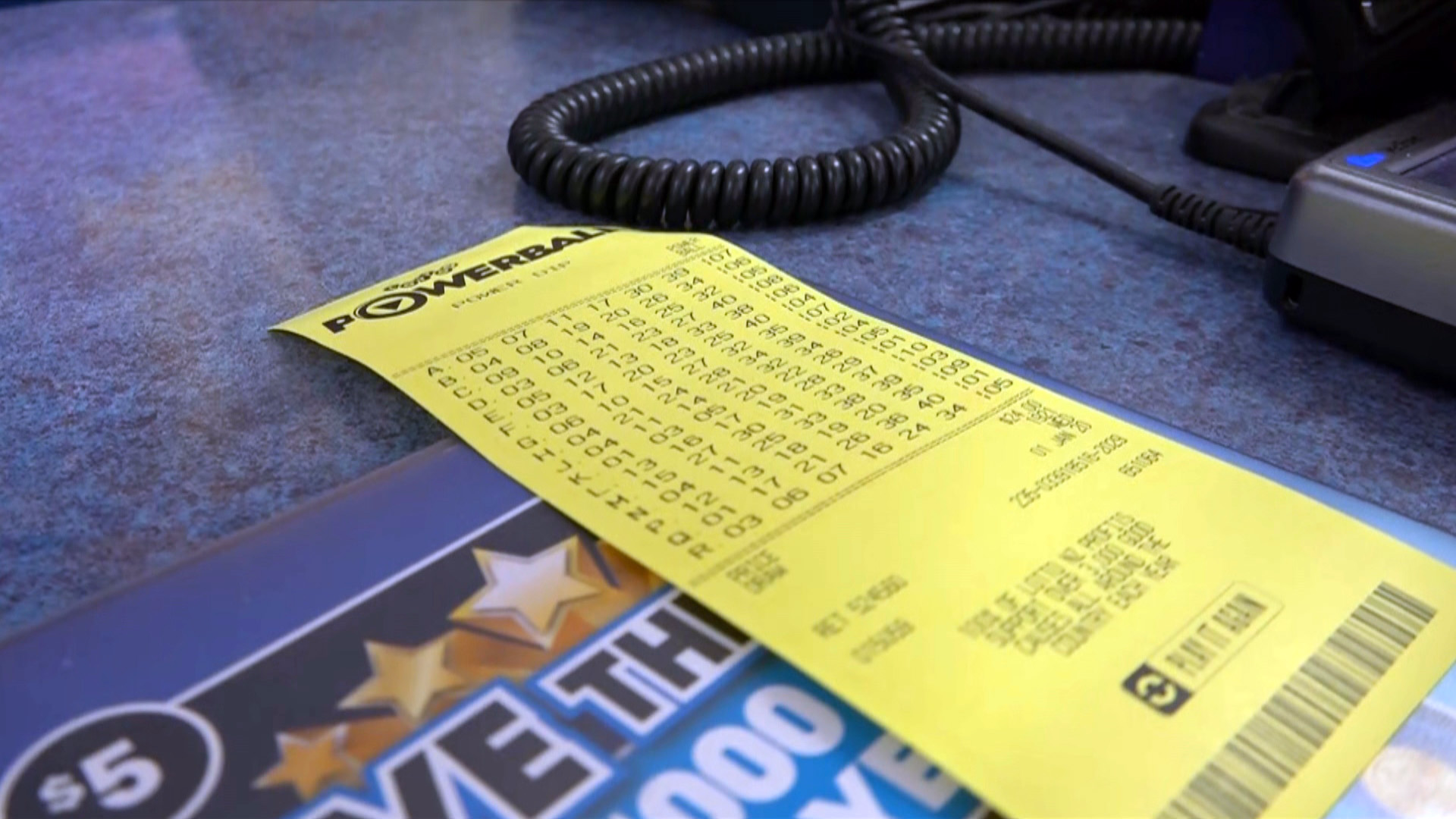 Lotto Powerball jackpot rolls over as no one strikes $35m prize